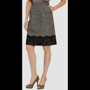 Classiques Entier Tweed Pencil Skirt w/ Pockets